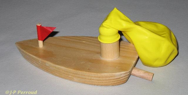 jp perroud les bateaux 39 pop pop 39 un jouet pour petits et grands. Black Bedroom Furniture Sets. Home Design Ideas